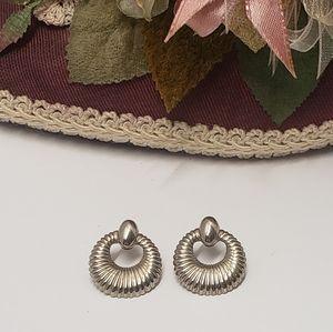 Cute Vintage Silver tone earrings